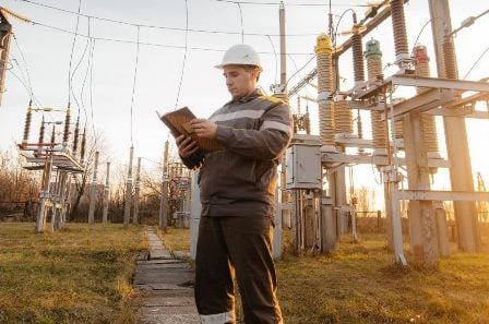 Power electrical engineer on site